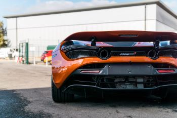 McLaren 720S V8 2dr SSG PERFORMANCE image 14 thumbnail